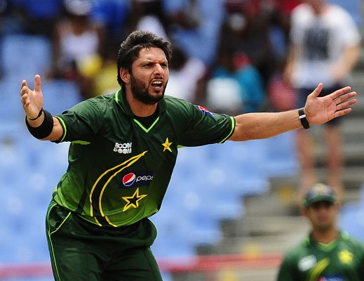 Afridi appeals for wicket