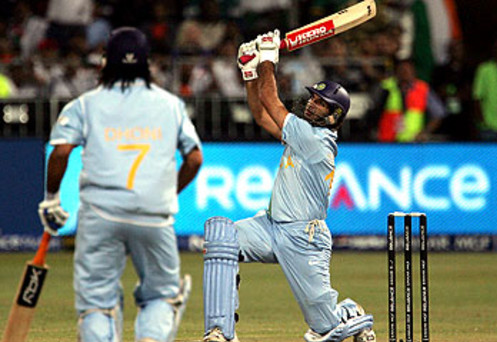 Yuvraj Singh smashed his 1st SIX out of the ground over the square leg boundary