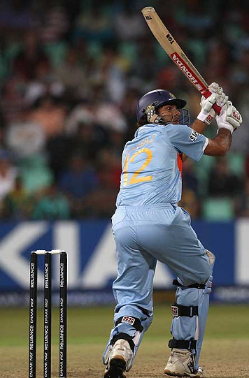 Yuvraj flicked the ball over the leg side boundary for his 2nd SIX