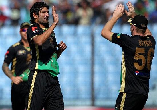 Sylhet's Sohail Tanvir celebrates a Khulna wicket