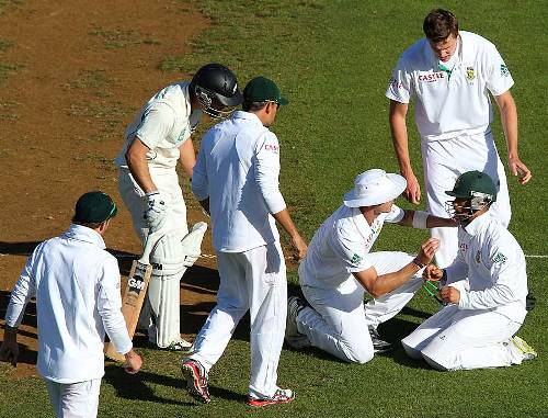 JP Duminy was struck at forward short leg