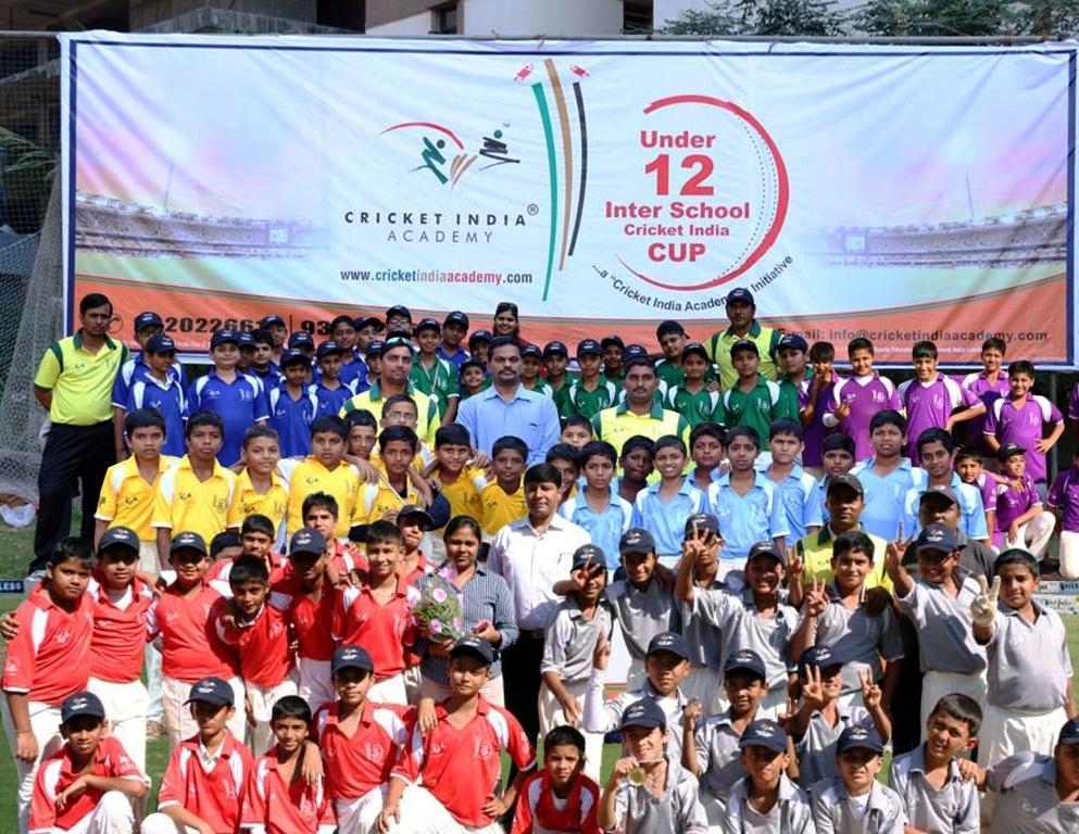 Picture of 13 school teams taking part in the tournament.